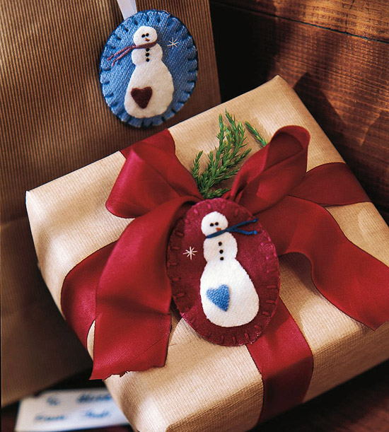 Make a Felted Snowman Pin for Christmas