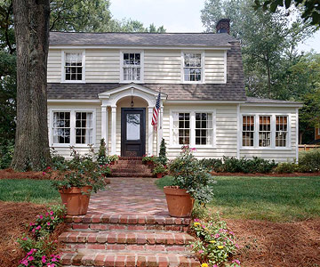 House Tours: Traditional Home With Southern Charm