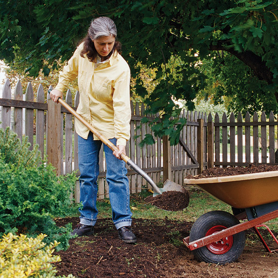 Top tools for maintaining your garden for Gardening tools for seniors