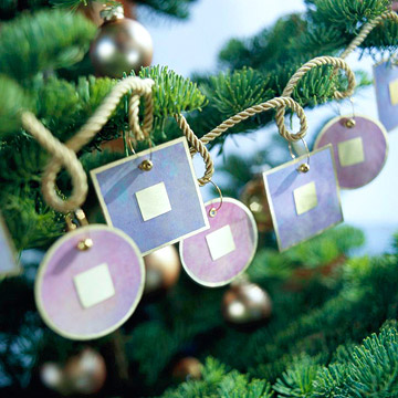 Contemporary Christmas Tree Garland Made with Scrapbooking Paper