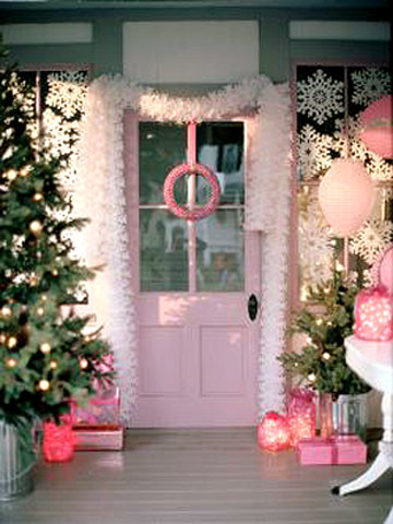 pretty in pink christmas decorations. Black Bedroom Furniture Sets. Home Design Ideas