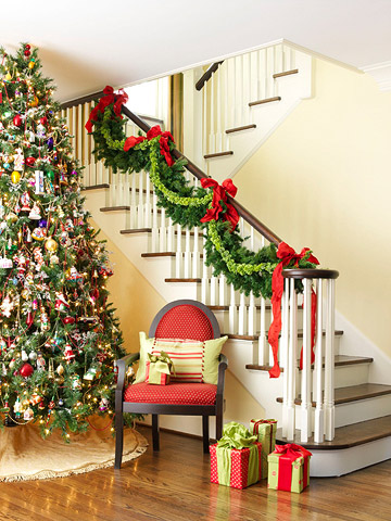 christmas home decoration ideas 2013 decorate your staircase for christmas 12012