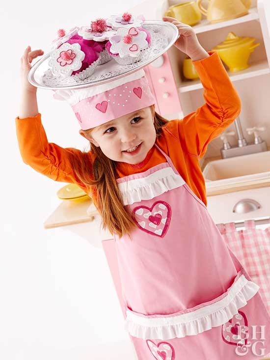 Make a Kid's Cupcake Chef Costume for Halloween