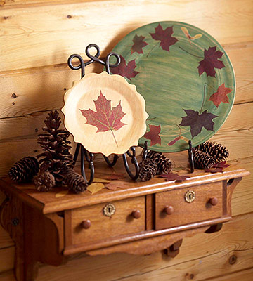Leaf It to Nature: Decorative Plates for Autumn