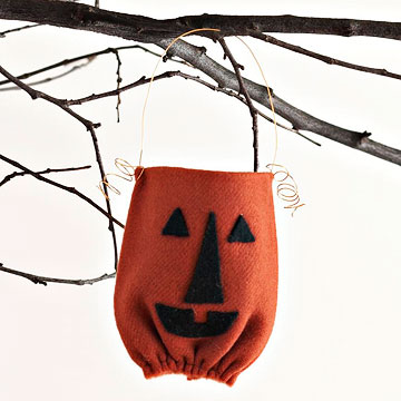 Cute Halloween Goody Bags Made from Wool