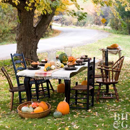 Outdoor Halloween Party Table Decor