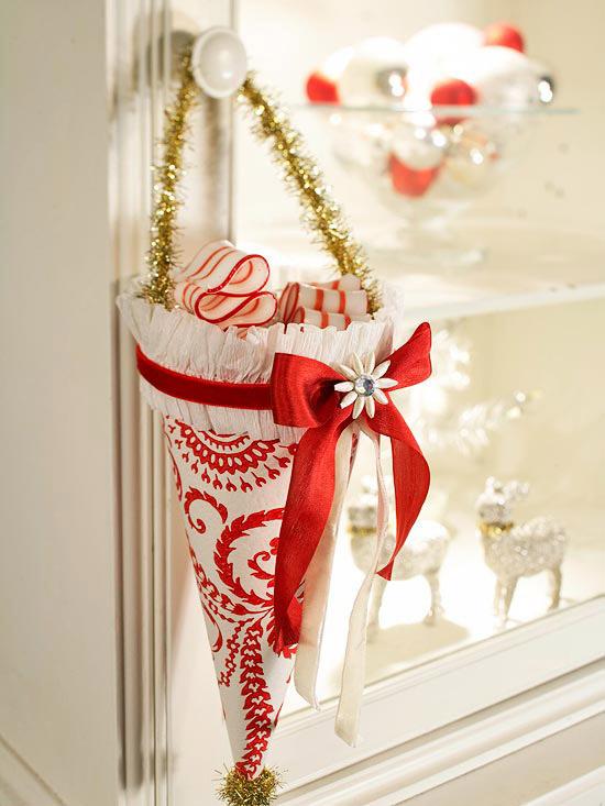 Miniature Christmas Cornucopia