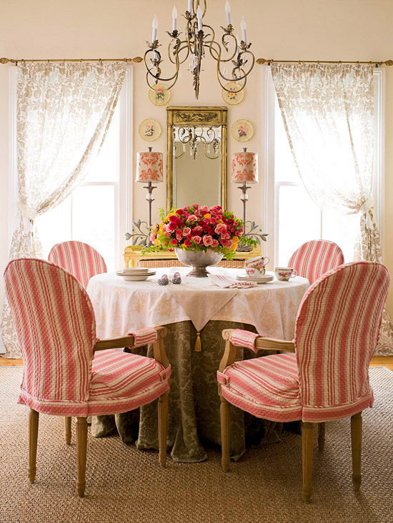 traditional dining rooms better homes gardens bhgcom - Traditional Dining Room