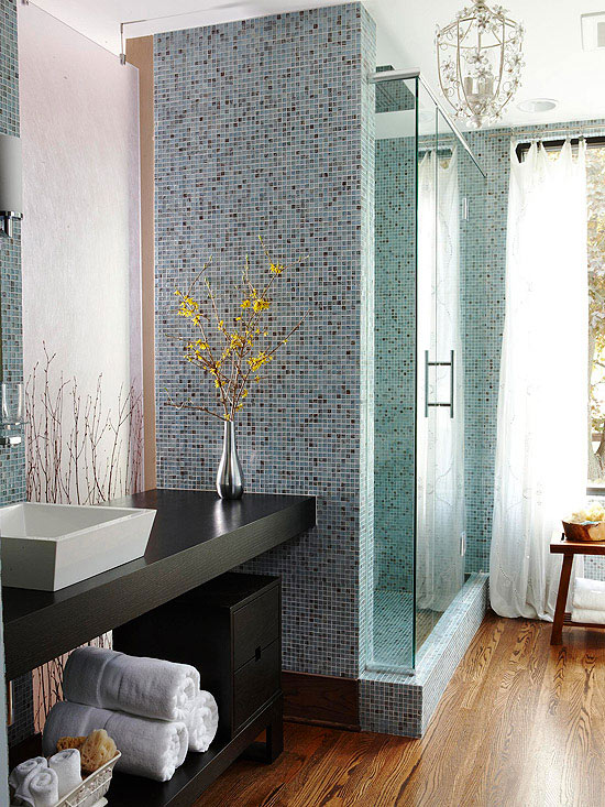 Modern Ideas For Small Bathrooms Part - 29: Add Vertical Interest