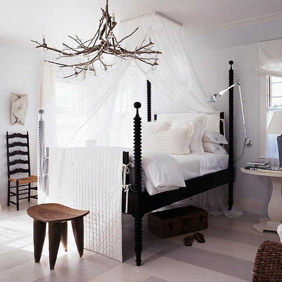 Bedroom Decorating: Cottage-Style Bedroom Decor