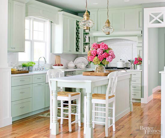 Lakefront Cottage Kitchen Makeover