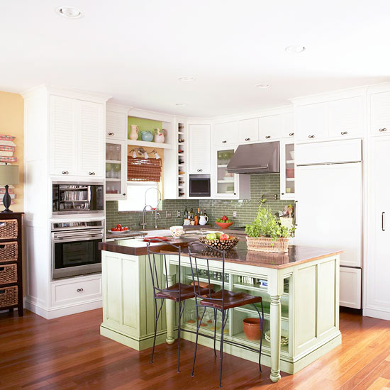 Small kitchen remodeling better homes and gardens for Small kitchen remodel pictures