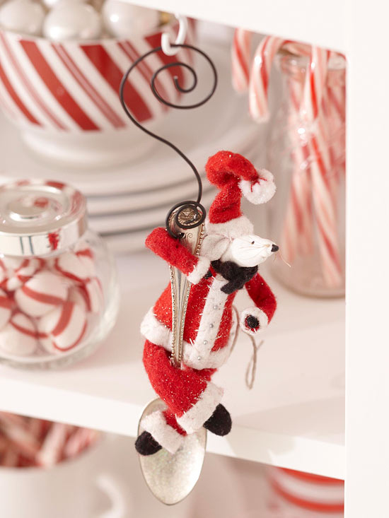 Make a Santa Claus Mouse Ornament