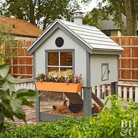 cottage style chicken coop rh bhg com little cottage chicken coop little cottage chicken coop