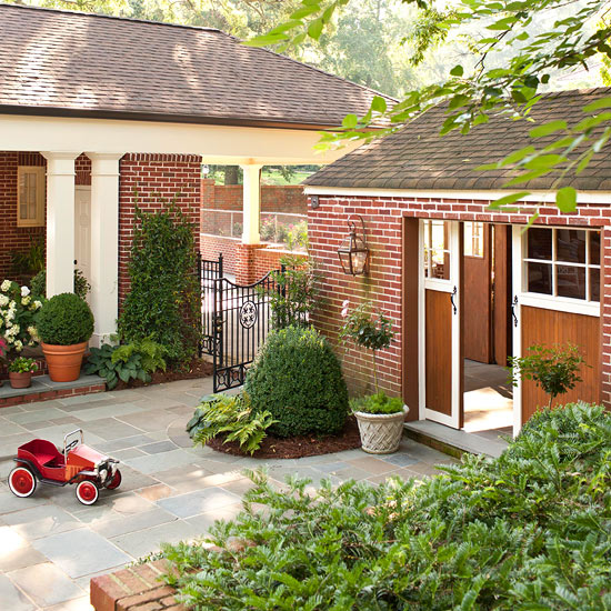 Garage Door Landscaping Ideas: Garage Ideas