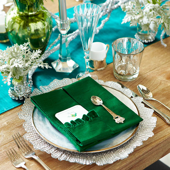 Make a Regal Holiday Place Setting and Menu Card