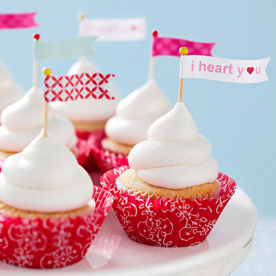 love banner cupcakes - Valentines Cupcakes Ideas