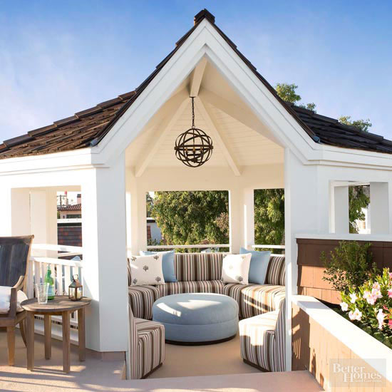 Small + Simple Outdoor Living Spaces on Simple Outdoor Living id=81231