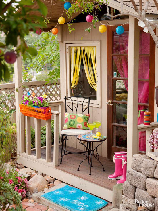 Small + Simple Outdoor Living Spaces on Small Backyard Living Spaces id=27018