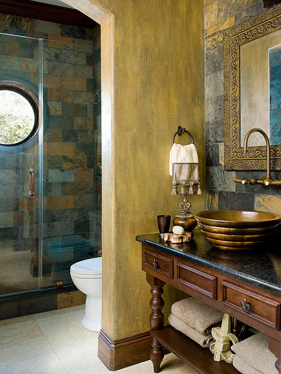 Traditional Style Small Bathrooms
