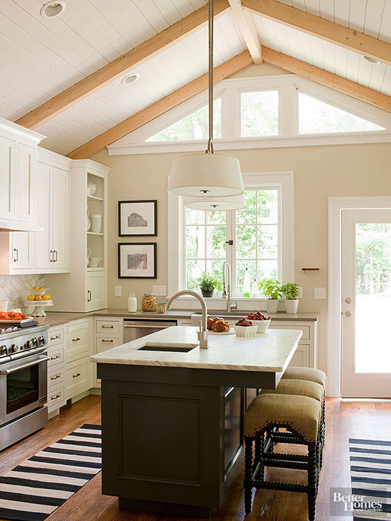 soaring ceiling - White Kitchen Design Ideas