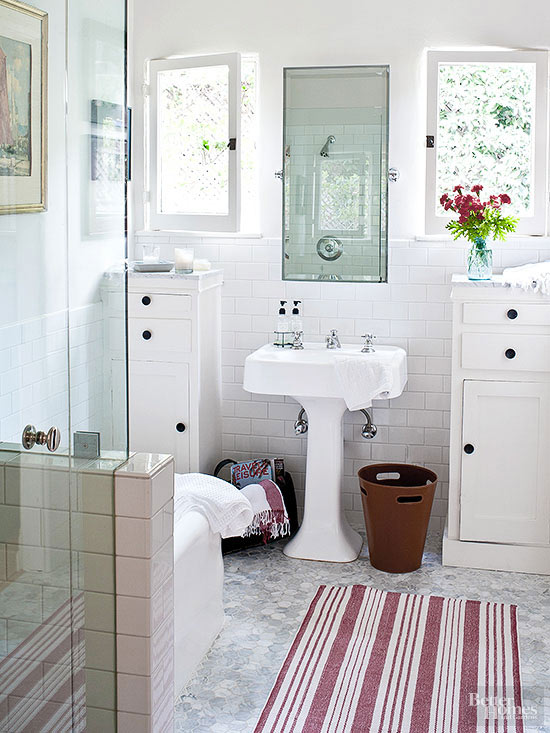 Make a small bath look larger for Small 1 2 bathroom decorating ideas