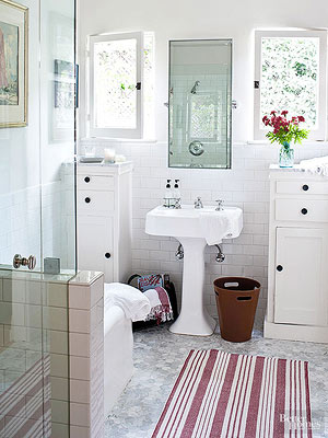 make a small bath look larger - Bathroom Decorating Ideas For Small Spaces