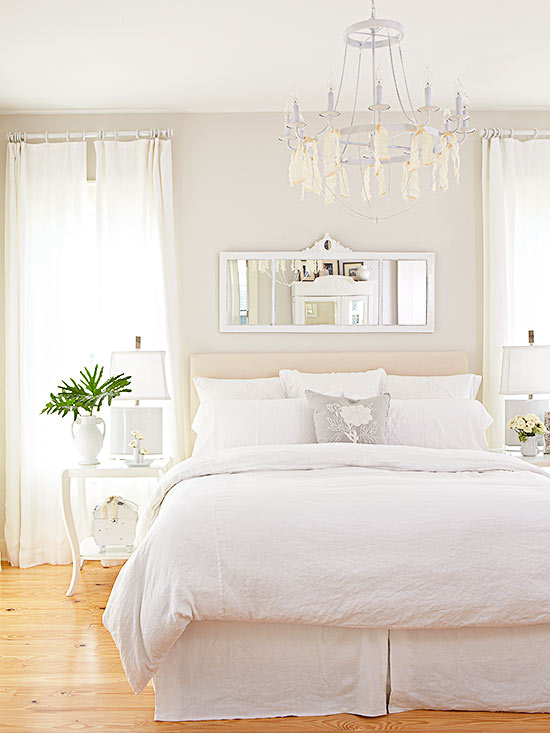 What Goes With White Walls?
