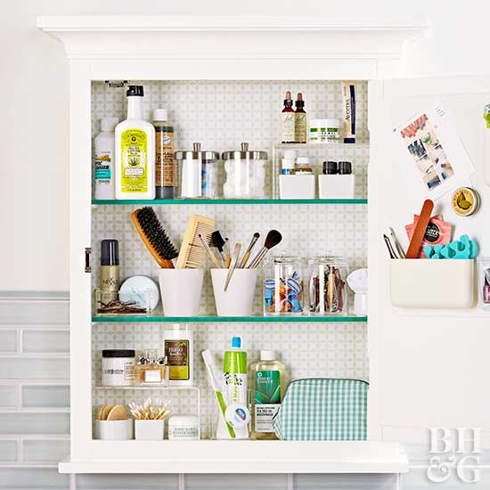 15 ways to organize bathroom cabinets for Bathroom cabinet organizer ideas