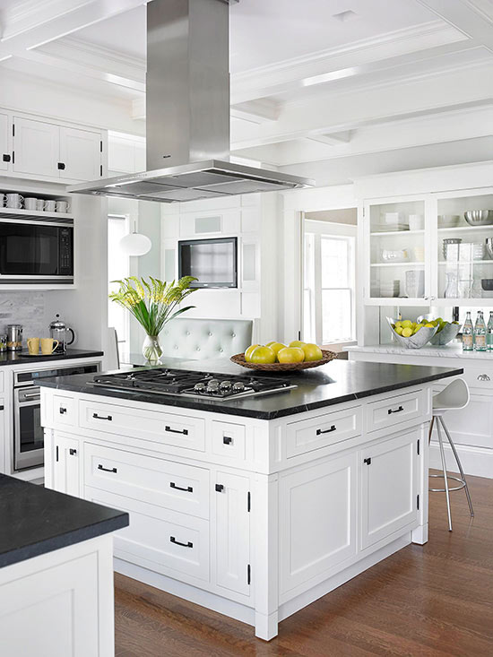 10 Kitchen And Home Decor Items Every 20 Something Needs: Top 10 Kitchen Cabinetry Trends