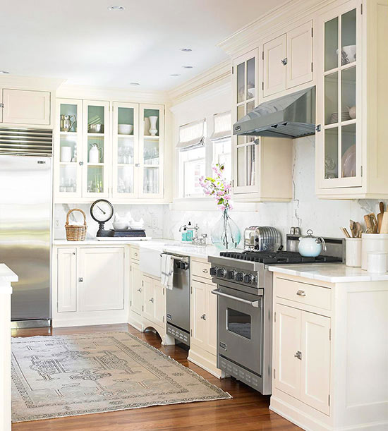 Old Fashion Kitchen Without No Kitchen Cabinets