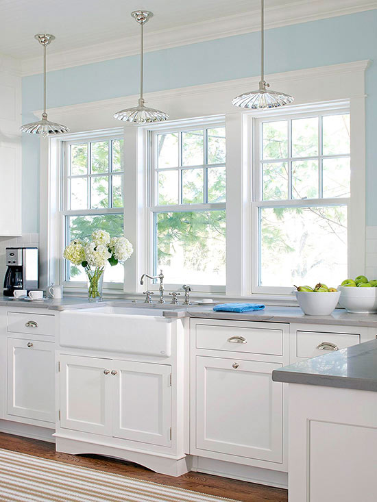15 Amazing White Modern Farmhouse Kitchens