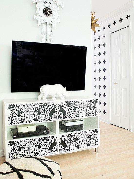 Black-and-White DIYs