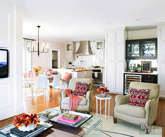 White Airy Floral Arrangements For Living Rooms