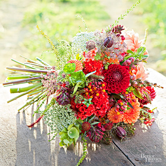 Editors 39 picks 30 best bouquets for Best flowers for wedding bouquet