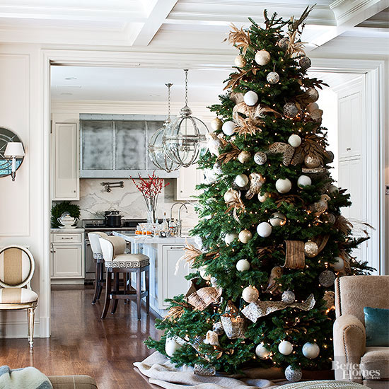 stunning christmas trees from real homes - Beautifully Decorated Christmas Tree Images