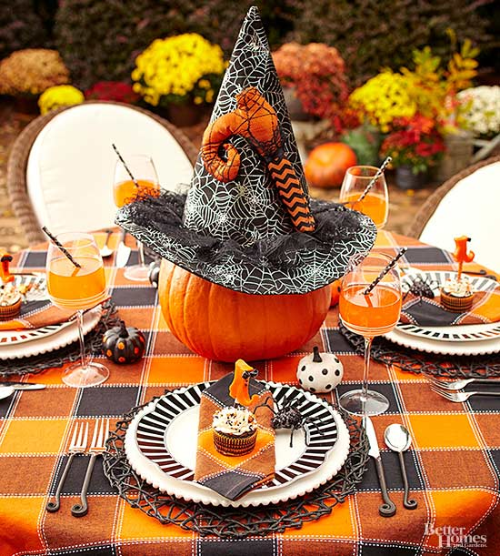 wickedly fun witch decorations for halloween. Black Bedroom Furniture Sets. Home Design Ideas