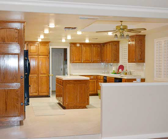 An 80s Kitchen Makeover That S Anything But Cookie Cutter
