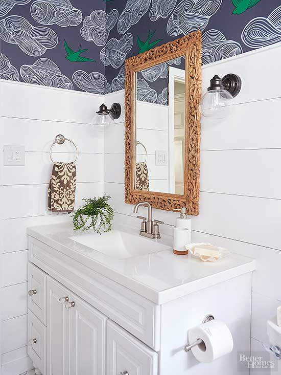 Choosing Bathroom Wallcoverings