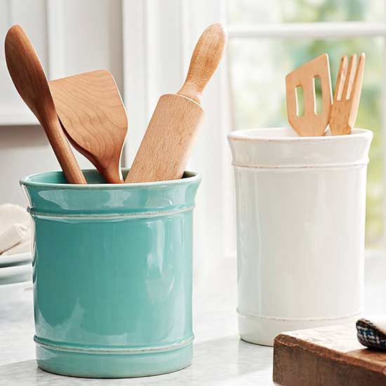 Cute-as-a-Button Cottage Kitchen Accessories