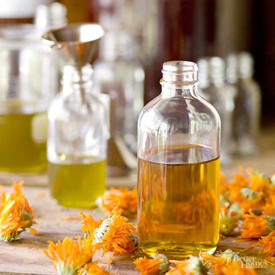 Essential Oil Hacks for Your Beauty Routine