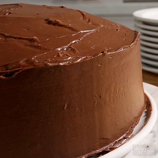 Give Your Cake the Ultimate Smooth Edge (Without Fondant)