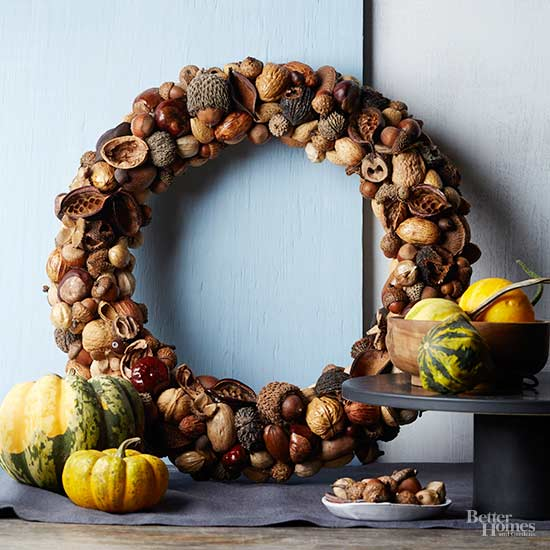 How To Make A Natural Nut Wreath