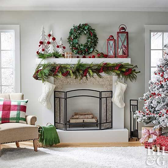 Stunning Christmas Mantel