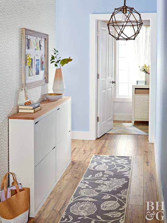 Hallway decorating ideas for Hallway wall decor