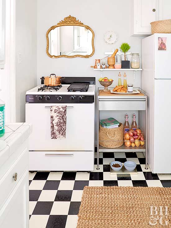 Choosing furniture for small spaces for Small kitchen space saving ideas