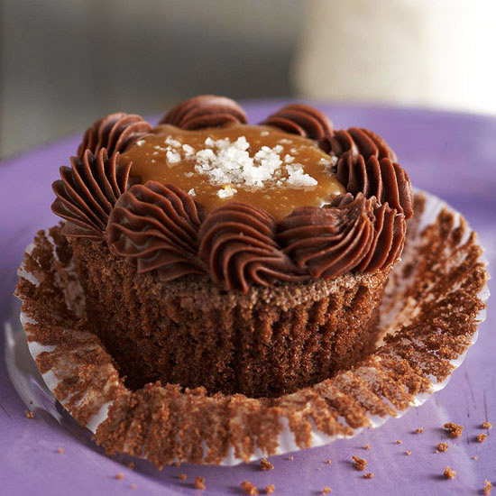 how to make filled cupcakes from scratch