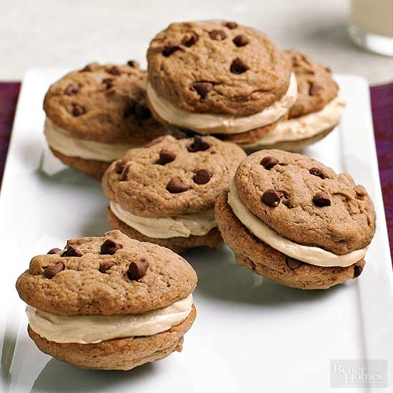 Chocolate peanut butter whoopie pies for Better homes and gardens chocolate chip cookies
