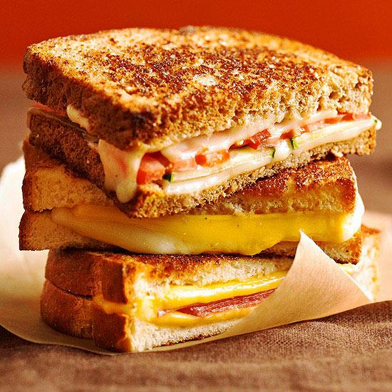 sandwich formaggio cotto e pomodoro