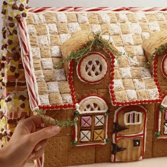 7 clever hacks for making the best gingerbread house for How to make best gingerbread house